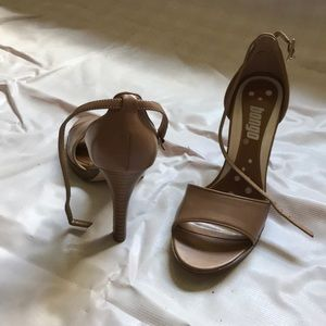 Camel heel